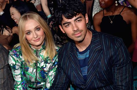 joe jonas game  thrones star sophie turner