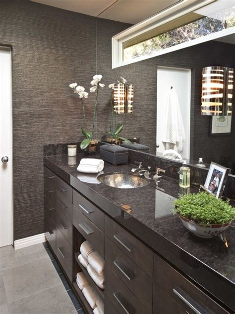 textured wallpaper  bathrooms  grasscloth wallpaper