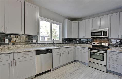 grey shaker kitchen cabinets grey shaker cabinet gallery custom kitchen cabinets lowes 4088
