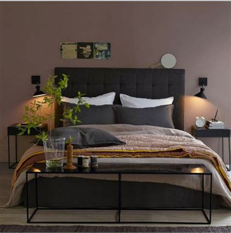 chambre et literie chambre couleur murs taupe avec literie couleur chocolat