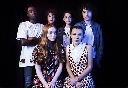 Stranger Millie Sadie Sink Bobby Things Cast