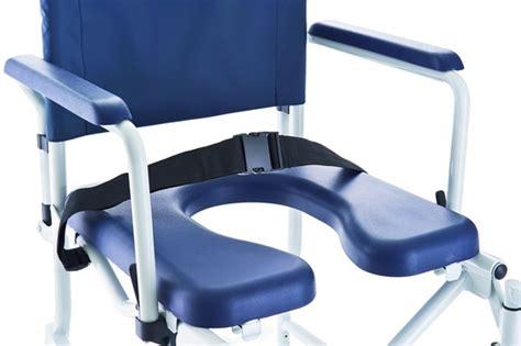 chaise percée pliante achat chaise de pliante invacare lima petites roues