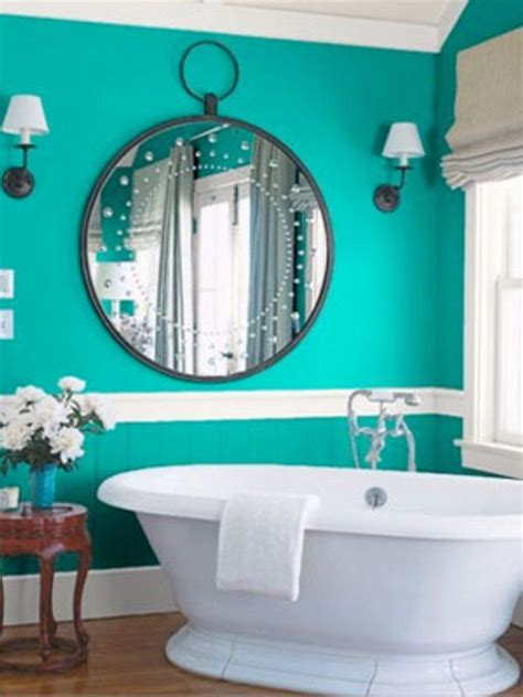 Bathroom Color Ideas by Best 25 Small Bathroom Paint Ideas On Small
