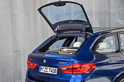 bmw  series touring arrives  brands