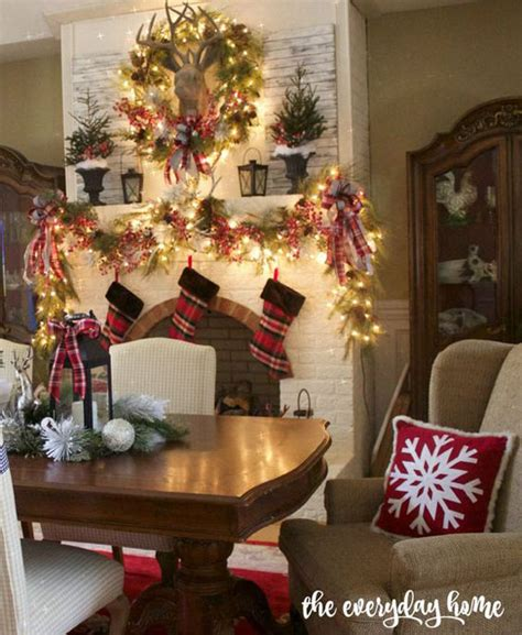 40+ Fabulous Christmas Dining Room Decorating Ideas