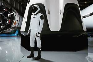 Elon Musk shares full-body pic of SpaceX's sleek astronaut ...