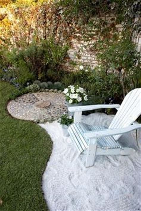 Seashells instead of mulch, I do this in all my house