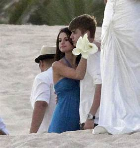 Justin Bieber and Selena Gomez cuddle and kiss at Shannon ...