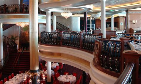 Essential Dining Room Etiquette Tips For Cruise Ship