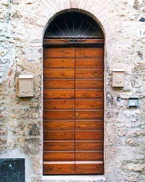 portone d ingresso in legno portone in legno antico lf02 pineglen