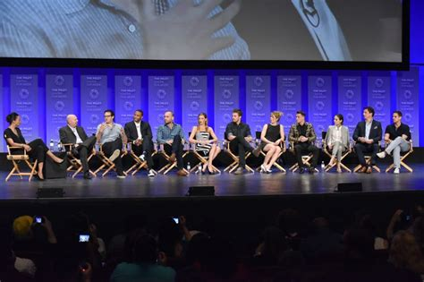 arrow and the flash scoop interviews with the cast at