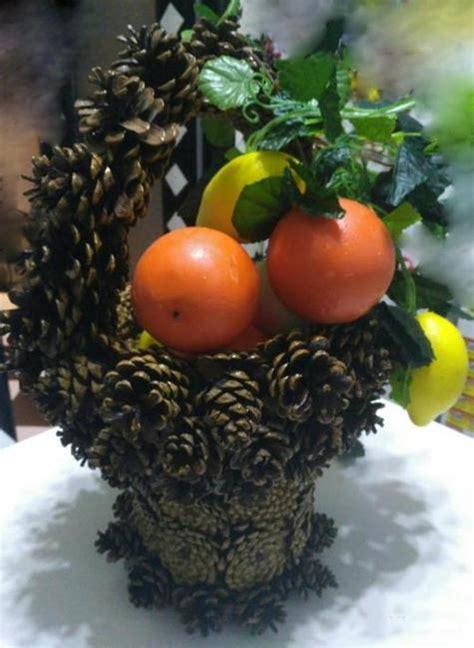 diy pinecone baskets table centerpiece ideas