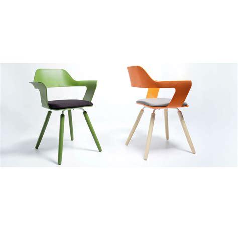 les chaises com les chaises mu muse par hanyi huang guten morgwen