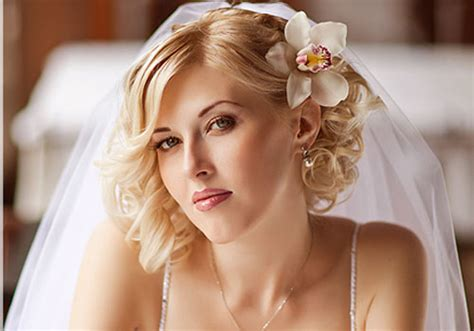 26 Beautifully Simple Wedding Hairstyles For Ladies(2
