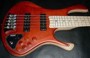 Zakrzewski Essential 5 String  34 U2033 Scale With Mike Pope 3 Band Preamp
