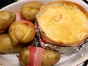 Boite A Pomme De Terre : bo te chaude avec ses pommes de terre entour es de lard mmm montdor franchecomte fromage ~ Teatrodelosmanantiales.com Idées de Décoration