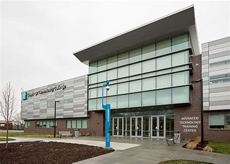 Cuyahoga Community College Relies On Lincoln Electric