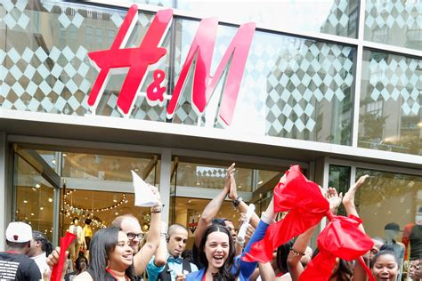 Shop H&m Online At Last! Retailer Finally Launches E