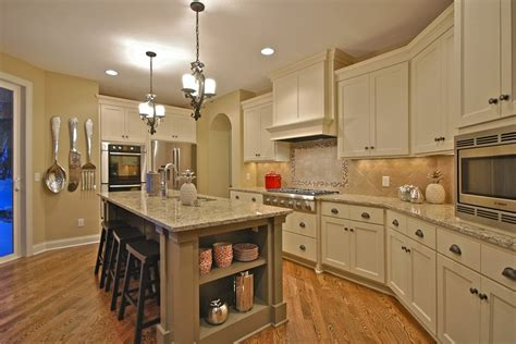 venetian gold granite with white cabinets new venetian gold granite for stunning home design