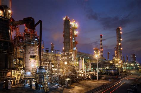 ExxonMobil Singapore refinery to expand