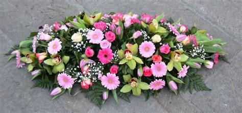 Cuscino Per Funerale - cuscino per funerale bianco e rosa fiori de berto