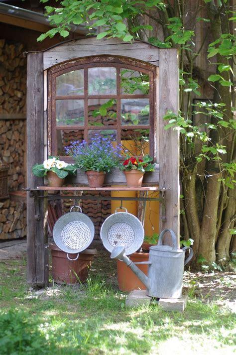 Alte Fenster Im Garten Dekorieren by Alte Fenster Im Garten Dekorieren Vencendoaazia Org