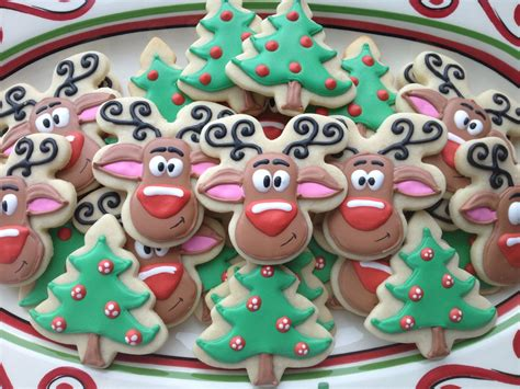 pictures of decorated christmas cookies using royal icing cookies rudolph sugar cookies with royal icing cookies royal icing