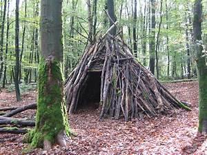 Hütte Im Wald Bauen : baba yaga wilde w lfin ~ A.2002-acura-tl-radio.info Haus und Dekorationen