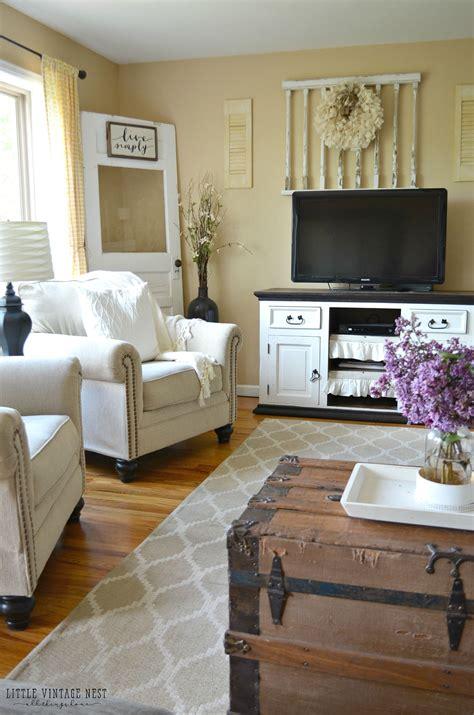 farmhouse living room summer refresh vandeen home design