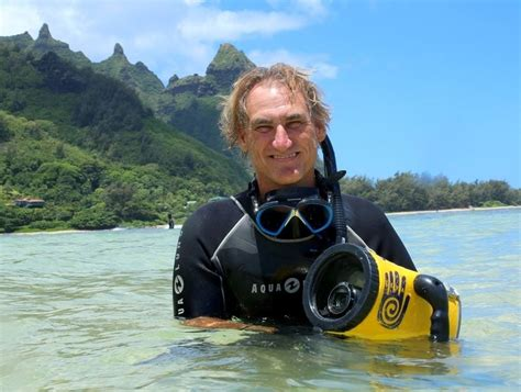 Authorities find marine biologist alive and well in Hawaii
