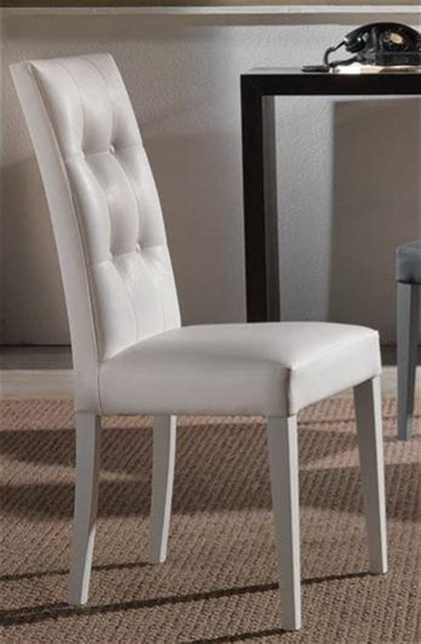 chaises blanches simili cuir lot de 2 chaises design italienne four seasons en tissu enduit polyurethane simili facon cuir