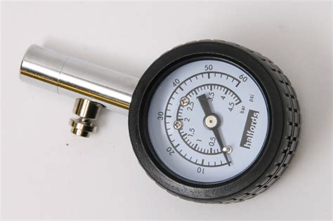 Halfords Analogue Tyre Pressure Gauge With Dial