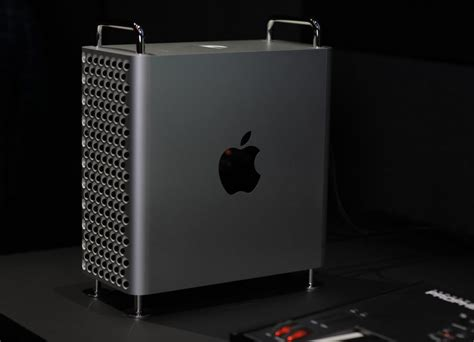 For PC gamers who want the Apple aesthetic, Fractal Design ...