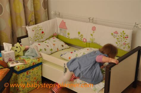 chambre petit fille awesome idee chambre bebe 2 ans pictures awesome interior home satellite delight us