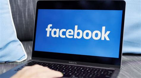 Facebook mysteriously logs out many iPhone users ...