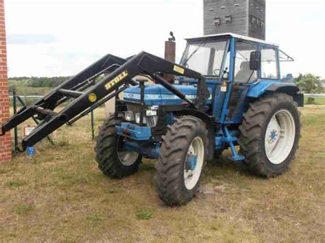 traktor mit frontlader und allrad traktor schlepper ford allrad frontlader nutzfahrzeuge
