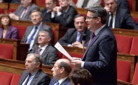 le depute yannick moreau reagit aux propos du ministre bernard