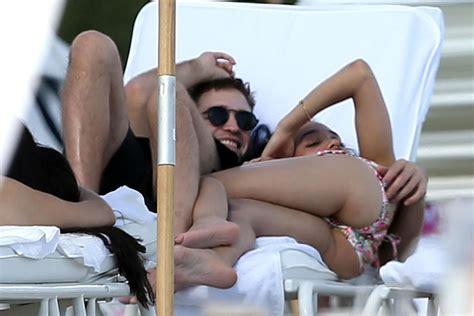 Robert Pattinson: Kuschelbilder am Strand | GALA.de