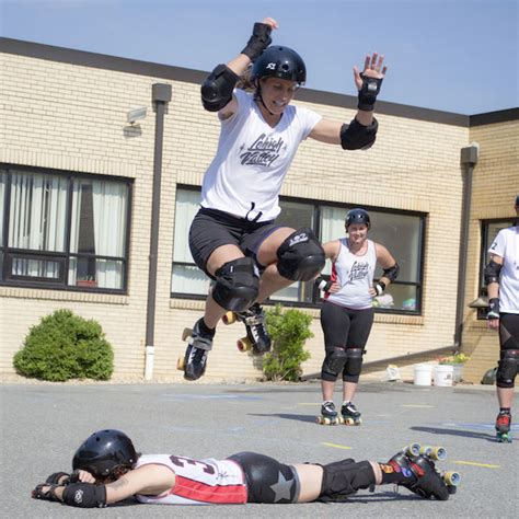 lv rollergirls roll  moves  easton area campers