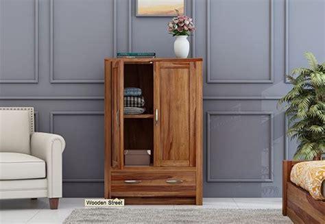 Small Wooden Wardrobe by Wardrobes Best Solid Wood Wardrobe Upto 55 Discount