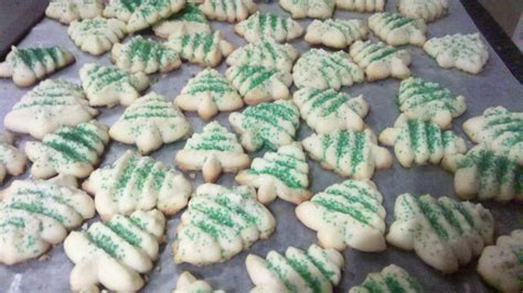 christmas tree spritz cookies disaster or delicious