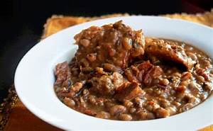 Slow Cooker Black Eyed Peas with Ham Hocks - Creole Contessa