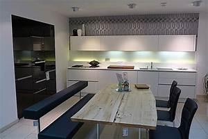 Arbeitsplatte Küche Schwarz : knauseder k chen miele hausger te ~ Markanthonyermac.com Haus und Dekorationen