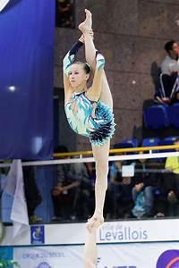 Gymnastics - Wikipedia  Gymnastics