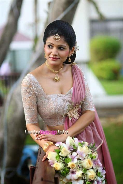 kandyan bridesmaid kandian brides pinterest saree
