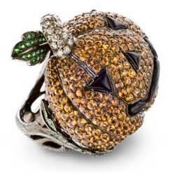 Серебряные браслеты с натуральными.