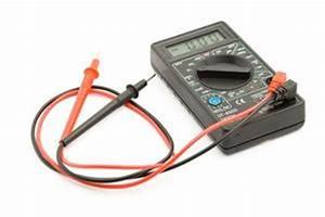 Comment Tester Une Batterie De Voiture Sans Multimetre : comment tester une batterie de voiture avec un multim tre num rique ~ Gottalentnigeria.com Avis de Voitures