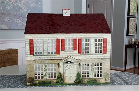3 bedroom house for sale in i couldn 39 t resist this vintage colonial dollhouse from the