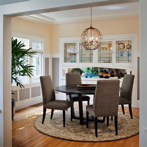 mix  shapes   dining room visually interesting