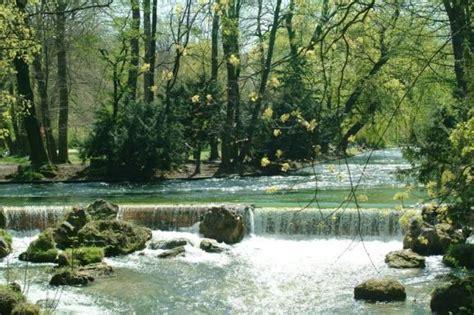 Englischer Garten München Wasserfall by Der Eisbach Bilder Fotos Die Welt